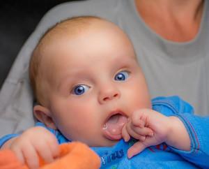 младенец аутист