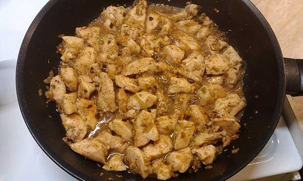Блюдо из филе курицы: необычное сочетание продуктов - пошаговый рецепт с фото