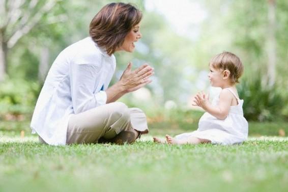 как учить годовалого ребенка говорить