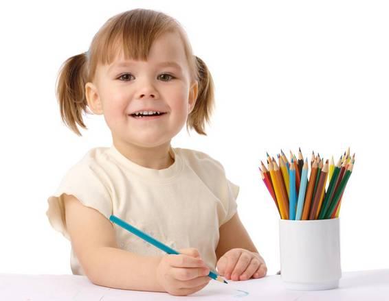 с какого возраста с ребенком можно рисовать