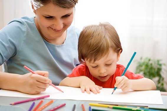 Как рисовать с маленькими детьми