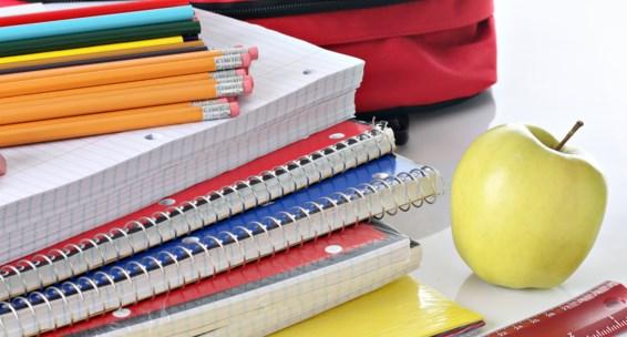 тетради и карандаши