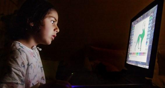 ребенок в компьютере