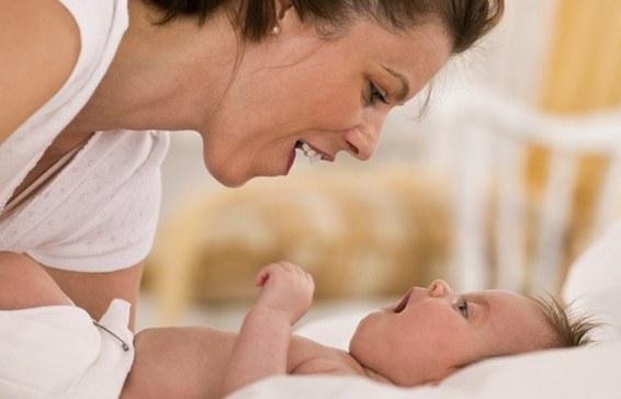 Во сколько месяцев ребенок агукает
