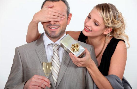 Что подарить мужу на 50 лет