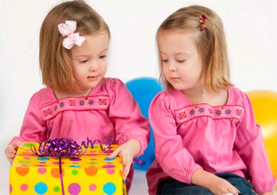 день рождения у двойняшек
