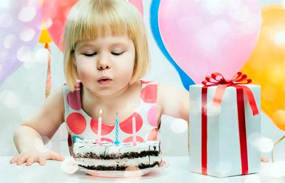 Что подарить девочке на 3 года на день рождения