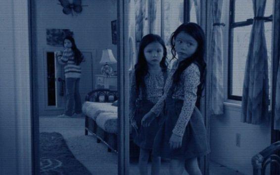 почему нельзя спать напротив зеркал