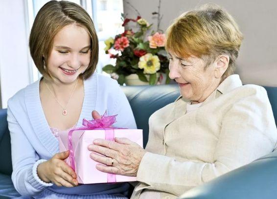 подарок бабушке на день матери